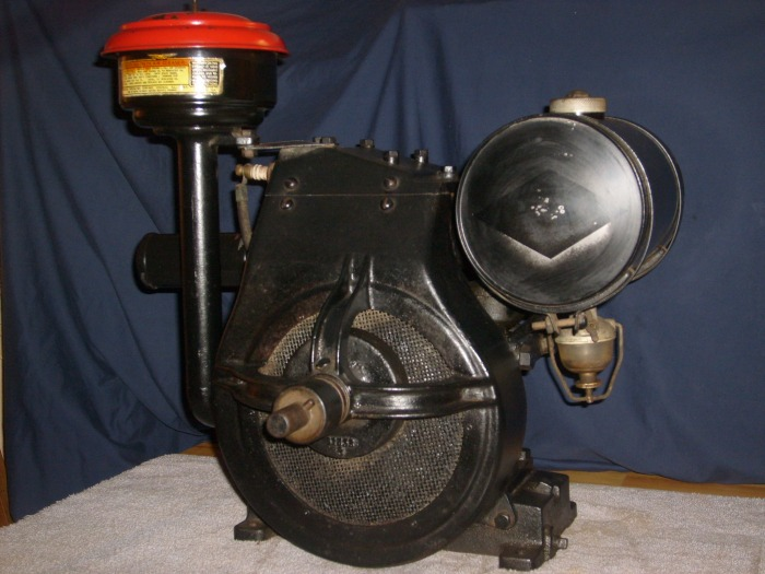 BRIGGS & STRATTON 3 - ANTIQUE & VINTAGE BRIGGS & STRATTON STATIONARY